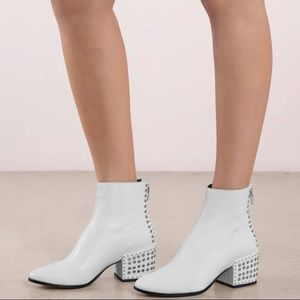 Dolce Vita Mazey Studded Ankle Booties Boot White
